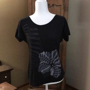 Calvin Klein rolled short sleeved black tee in M